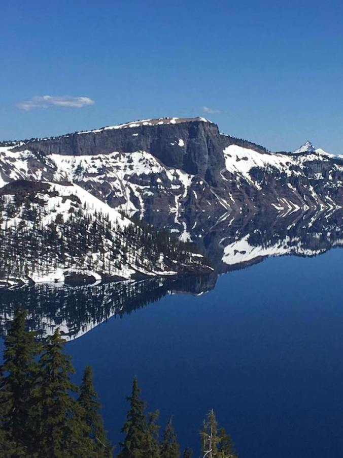 Travel Guide to Crater Lake 02