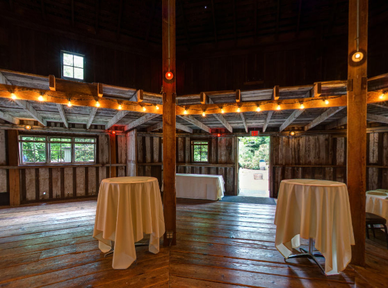 Barn wedding venue on this feeling fine Friday   This Miss Cooks